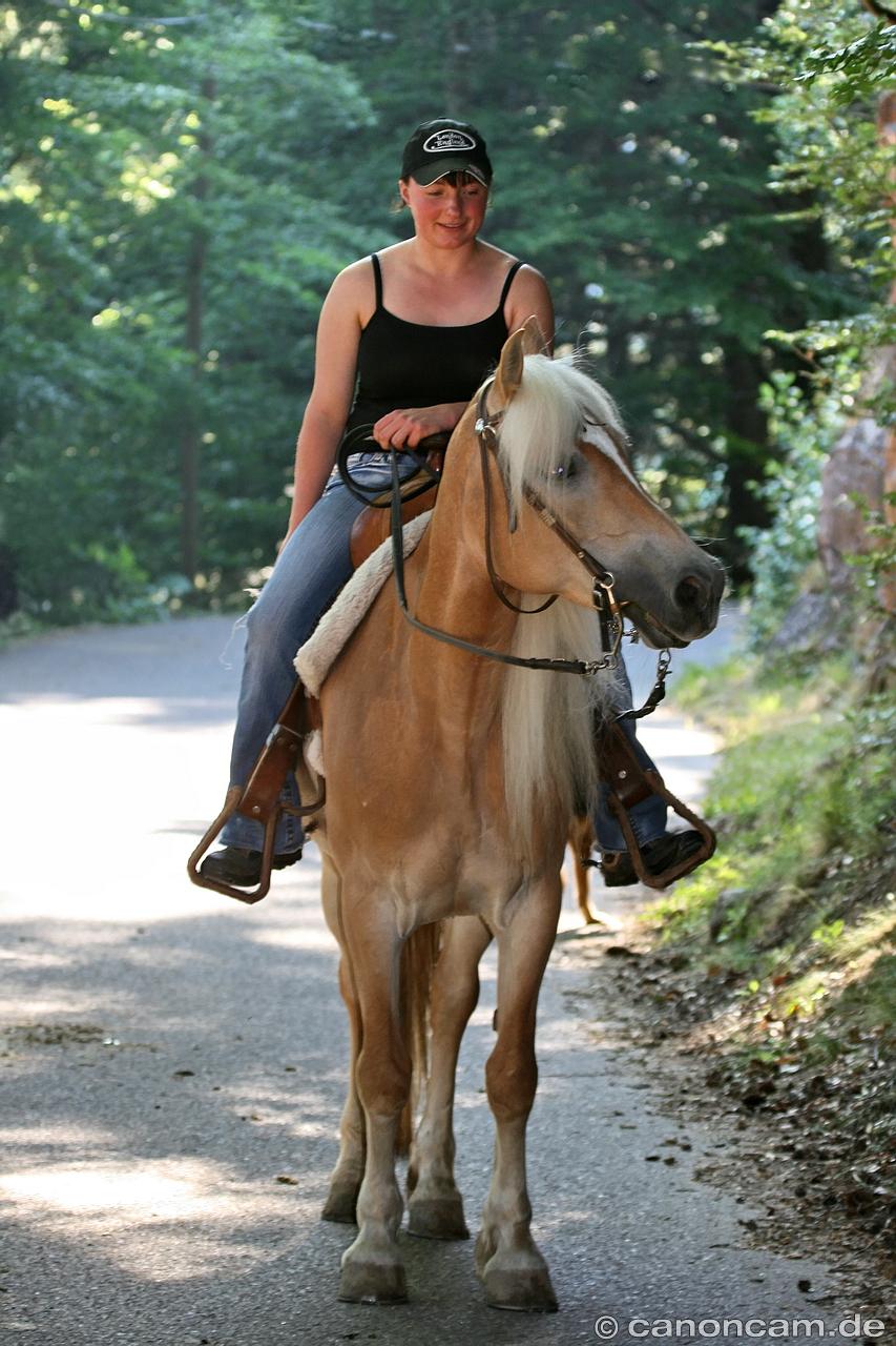 Perfekte Teenagerin Ist Eine Geile Reiterin